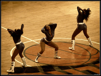 Knicks_city_dancers_7_display_image