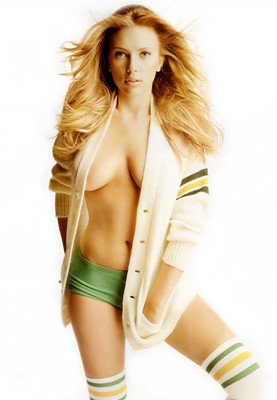1799_scarlett-johansson-allure-03_display_image