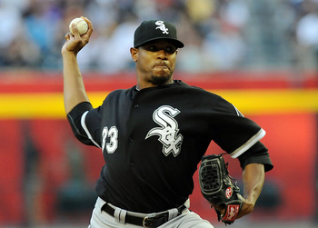 PHOENIX, AZ - JUNE 17:  Starting pitcher Edwin Jackson #33 of the Chicago White Sox delivers a pitch against the Arizona Diamondbacks at Chase Field on June 17, 2011 in Phoenix, Arizona.  (Photo by Norm Hall/Getty Images)