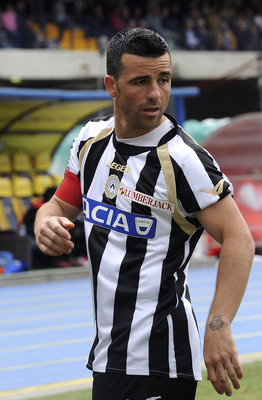 VERONA, ITALY - MAY 15: Antonio Di Natale of Udinese looks on during the Serie A match between AC Chievo Verona and Udinese Calcio at Stadio Marc'Antonio Bentegodi on May 15, 2011 in Verona, Italy.  (Photo by Dino Panato/Getty Images)