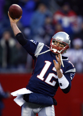 FOXBORO, MA - DECEMBER 09:  Tom Brady #12 of the New England Patriots throws before a game with the Pittsburgh Steelers at Gillette Stadium on December 9, 2007 in Foxboro, Massachusetts. (Photo by Jim Rogash/Getty Images)