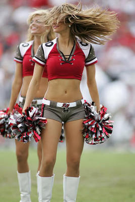 A-cheerleader-with-hair-nfl-cheerleaders-818601_320_480_display_image