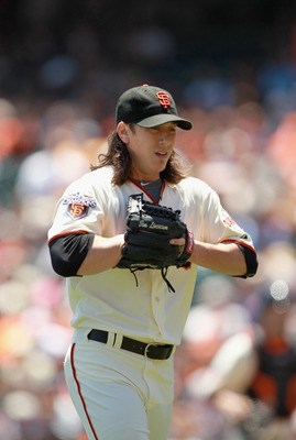 SAN FRANCISCO, CA - JUNE 23:  Tim Lincecum #55 of the San Francisco Giants pitches against the Minnesota Twins at AT&T Park on June 23, 2011 in San Francisco, California.  (Photo by Ezra Shaw/Getty Images)