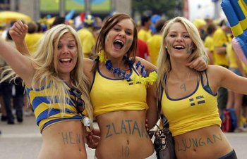 Swedish_hot_blond_football_fans_display_image