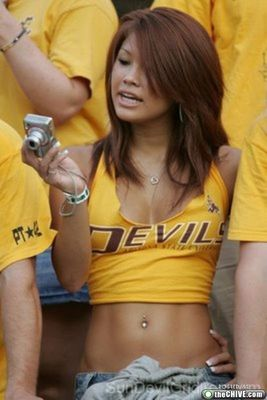 Hot-college-girls-fans14_display_image