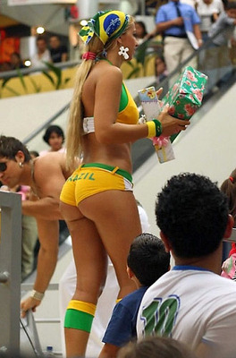 Brazilian-girl_world-cup-2010_15_display_image