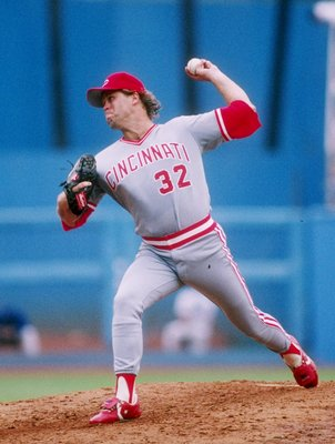 1989:  Tom Browning of the Cincinnati Reds in action during a game at Riverfront Stadium in Cincinnati, Ohio.  Mandatory Credit: Stephen Dunn  /Allsport