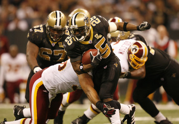 RB Reggie Bush (25) of the New Orleans Saints during a game against the Washington Redskins at the Louisiana Superdome in New Orleans, LA on December 17, 2006. (Photo by Mike Ehrmann/Getty Images)