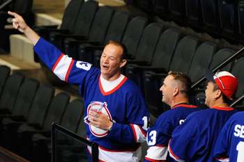ST PAUL, MN - JUNE 24:  Fans of the Winnipeg Jets cheer on day one of the 2011 NHL Entry Draft at Xcel Energy Center on June 24, 2011 in St Paul, Minnesota.  (Photo by Hannah Foslien/Getty Images)