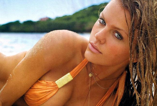 Brooklyn-decker-wallpaper29_crop_650x440