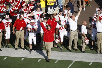ANN ARBOR, MI - SEPTEMBER 27:  Head coach Bret Bielema of the Wisconsin Badgers celebrates during the game against the Michigan Wolverines on September 27, 2008 at Michigan Stadium in Ann Arbor, Michigan. (Photo by Gregory Shamus/Getty Images)