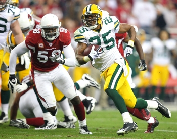 GLENDALE, AZ - JANUARY 10:  Ryan Grant #25 of the Green Bay Packers runs with the ball against the Arizona Cardinals during the 2010 NFC wild-card playoff game at University of Phoenix Stadium on January 10, 2010 in Glendale, Arizona.  (Photo by Christian