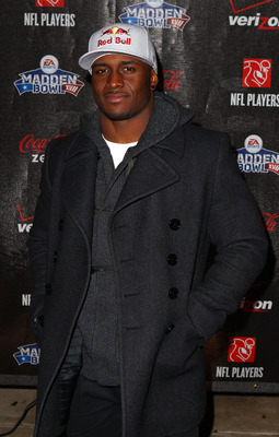 GRAPEVINE, TX - FEBRUARY 03:  NFL Player Reggie Bush of the New Orleans Saints attends the Coke Zero black carpet at the EA SPORTS Madden Bowl XVII at The Glass Cactus on February 3, 2011 in Grapevine, Texas.  (Photo by Joe Scarnici/Getty Images for Madde