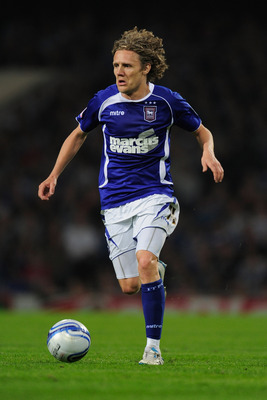 IPSWICH, ENGLAND - APRIL 21:  Jimmy Bullard of Ipswich Town in action during the npower Championship match between Ipswich Town and Norwich City at Portman Road on April 21, 2011 in Ipswich, England.  (Photo by Jamie McDonald/Getty Images)