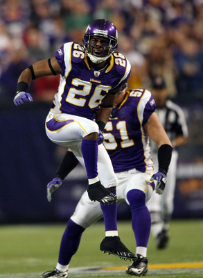 MINNEAPOLIS - JANUARY 03:  Antoine Winfield #26 of the Minnesota Vikings celebrates a stop against the New York Giants on January 3, 2010 at Hubert H. Humphrey Metrodome in Minneapolis, Minnesota. The Vikings defeated the Giants 44-7.  (Photo by Elsa/Gett