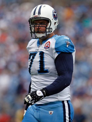 NASHVILLE, TN - SEPTEMBER 20:  Michael Roos #71 of the Tennessee Titans is pictured during the NFL game against the Houston Texans at LP Field on September 20, 2009 in Nashville, Tennessee.  (Photo by Andy Lyons/Getty Images)
