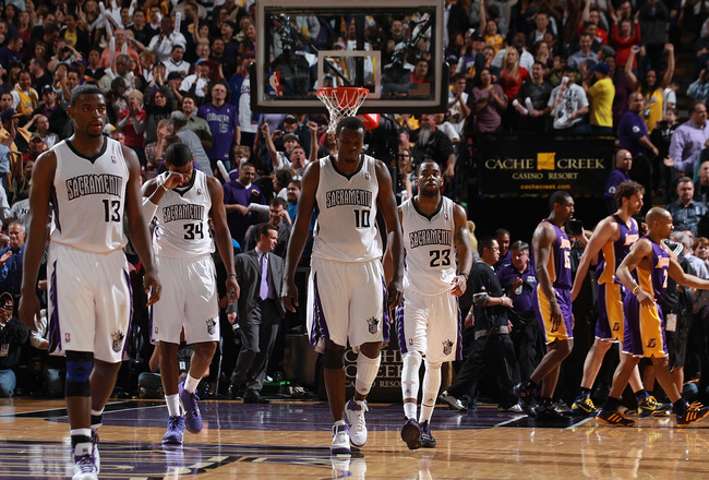 SACRAMENTO, CA - APRIL 13:  Members of the Sacramento Kings look on against the Los Angeles Lakers on April 13, 2011 at Power Balence Pavilion in Sacramento, California. NOTE TO USER: User expressly acknowledges and agrees that, by downloading and/or usin