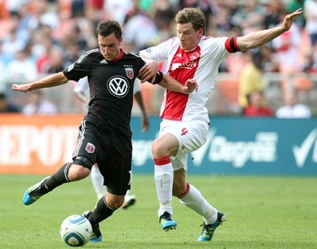 WASHINGTON, DC - MAY 22: Stephen King #7 of D.C. United controls the ball against Jan Vertonghen #4 of Ajax at RFK Stadium on May 22, 2011 in Washington, DC. (Photo by Ned Dishman/Getty Images)