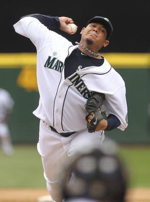 SEATTLE - JUNE 29:  Starting pitcher Felix Hernandez #34 of the Seattle Mariners pitches against the Atlanta Braves at Safeco Field on June 29, 2011 in Seattle, Washington. The Braves defeated the Mariners 5-3. (Photo by Otto Greule Jr/Getty Images)