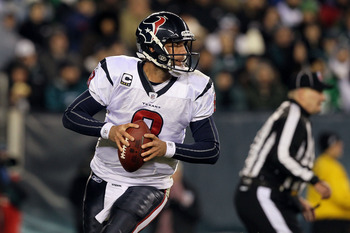 PHILADELPHIA, PA - DECEMBER 02:  Matt Schaub #8 of the Houston Texans drops back to pass against the Philadelphia Eagles at Lincoln Financial Field on December 2, 2010 in Philadelphia, Pennsylvania.  (Photo by Jim McIsaac/Getty Images)