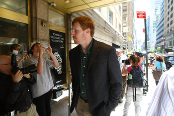 NEW YORK, NY - JUNE 30:  Matt Bonner of San Antonio Spurs arrives at Omni Hotel for negotiations for the collective bargaining agreement between player representatives and owners June 30, 2011 in New York City.  (Photo by Neilson Barnard/Getty Images)