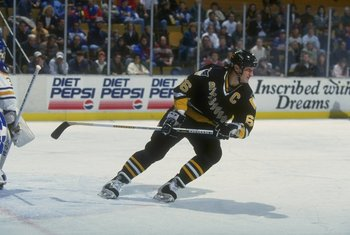 27 Dec 1992: Center Mario Lemieux of the Pittsburgh Penguins moves down the ice during a game against the Buffalo Sabres at Memorial Auditorium in Buffalo, New York.