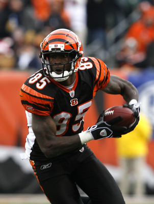 CINCINNATI, OH - DECEMBER 6: Chad Ochocinco  #85 of the Cincinnati Bengals runs against the Detroit Lions in their NFL game at Paul Brown Stadium December 6, 2009 in Cincinnati, Ohio.    (Photo by John Sommers II/Getty Images)