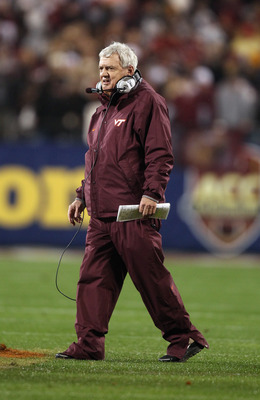 CHARLOTTE, NC - DECEMBER 04:  Head coach Frank Beamer of the Virginia Tech Hokies at Bank of America Stadium on December 4, 2010 in Charlotte, North Carolina.  (Photo by Streeter Lecka/Getty Images)