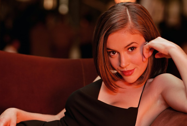 Alyssa_milano_-_best_wallpapers_crop_650x440