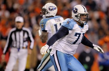 DENVER - NOVEMBER 19:  Offensive tackle Michael Roos #71 of the Tennessee Titans protects quarterback Vince Young #10 of the Tennessee Titans at Invesco Field at Mile High on November 19, 2007 in Denver, Colorado. The Broncos defeated the Titans 34-20.  (