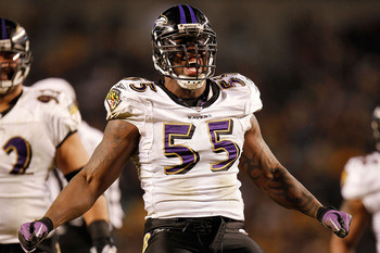 PITTSBURGH, PA - JANUARY 15:  Linebacker Terrell Suggs #55 of the Baltimore Ravens reacts after sacking quarterback Ben Roethlisberger #7 of the Pittsburgh Steelers during the AFC Divisional Playoff Game at Heinz Field on January 15, 2011 in Pittsburgh, P