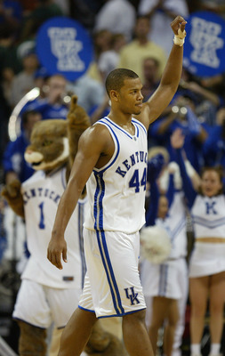 AUSTIN, TX - MARCH 25:  Chuck Hayes #44 of the Kentucky Wildcats celebrates after defeating the Utah Utes in the 2005 NCAA division 1 men's basketball championship tournament game at the Frank Erwin Center on March 25, 2005 in Austin, Texas.   The Wildcat
