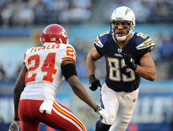 SAN DIEGO, CA - DECEMBER 12:  Vincent Jackson #83 of the San Diego Chargers is covered by Brandon Flowers #24 of the Kansas City Chiefs during the game at Qualcomm Stadium on December 12, 2010 in San Diego, California.  (Photo by Harry How/Getty Images)