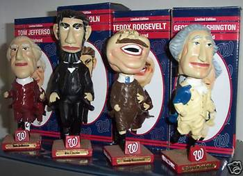 Presidential_bobblehead_set_display_image
