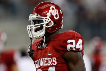 ARLINGTON, TX - SEPTEMBER 05: Running back Dejuan Miller #24 of the Oklahoma Sooners at Cowboys Stadium on September 5, 2009 in Arlington, Texas.  (Photo by Ronald Martinez/Getty Images)