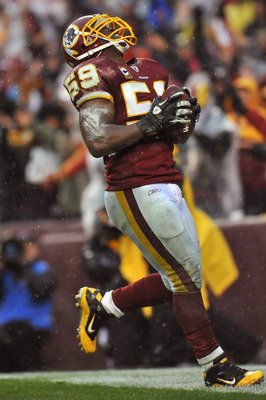 LANDOVER, MD - DECEMBER 12:  London Fletcher #59 of the Washington Redskins celebrates a critical third quarter fumble recovery against the Tampa Bay Buccaneers at FedExField on December 12, 2010 in Landover, Maryland. The Buccaneers defeated the Redskins