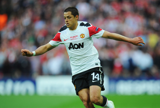 LONDON, ENGLAND - MAY 28:  Javier Hernandez of Manchester United in action during the UEFA Champions League final between FC Barcelona and Manchester United FC at Wembley Stadium on May 28, 2011 in London, England.  (Photo by Clive Mason/Getty Images)