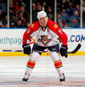 UNIONDALE, NY - FEBRUARY 21:  Stephen Weiss #9 of the Florida Panthers waits for a faceoff during an NHL hockey game against the New York Islanders at the Nassau Coliseum on February 21, 2011 in Uniondale, New York.  (Photo by Paul Bereswill/Getty Images)
