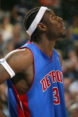 DALLAS - DECEMBER 6:  Ben Wallace #3 of the Detroit Pistons is on the court duringt the game against the Dallas Mavericks on December 6, 2004 at the American Airlines Center in Dallas, Texas. The Pistons won 101-85.  NOTE TO USER: User expressly acknowled