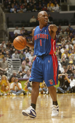 LOS ANGELES - NOVEMBER 14:  Chauncey Billups #1 of the Detroit Pistons sets his offense against the Los Angeles Lakers on November 14, 2003 at the Staples Center in Los Angeles, California.  (Photo by Stephen Dunn/Getty Images)