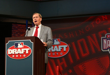 SECAUCUS, NJ - JUNE 07:  MLB commissioner Bud Selig announces Bryce Harper as the first overall pick to the Washington Nationals during the MLB First Year Player Draft on June 7, 2010 held in Studio 42 at the MLB Network in Secaucus, New Jersey.  (Photo b