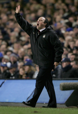 LONDON - DECEMBER 06:  Rafael Benitez, manager of Liverpool, gives instructions during the UEFA Champions League Group G match between Chelsea and Liverpool at Stamford Bridge on December 6, 2005 in London, England.  (Photo by Shaun Botterill/Getty Images