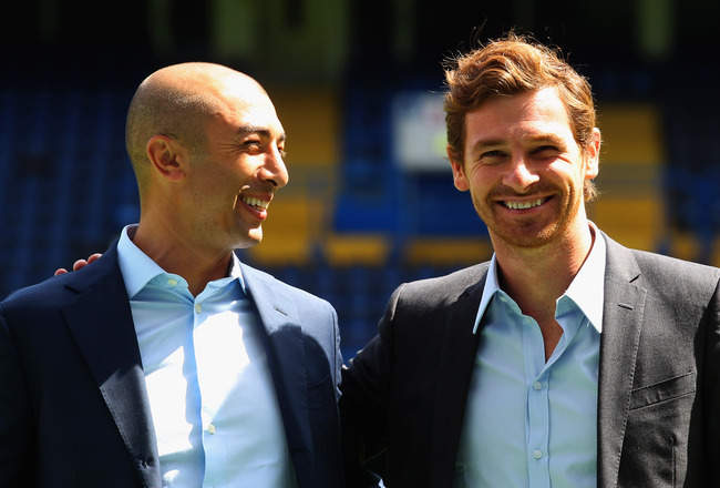 LONDON, ENGLAND - JUNE 29:  Roberto Di Matteo and Andre Villas-Boas pose during a photocall at Stamford Bridge on June 29, 2011 in London, England.  (Photo by Clive Rose/Getty Images)