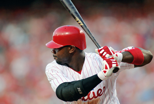 PHILADELPHIA - JUNE 25:  Ryan Howard #6 of the Philadelphia Phillies bats against the Oakland Athletics at Citizens Bank Park on June 25, 2011 in Philadelphia, Pennsylvania.  (Photo by Len Redkoles/Getty Images)