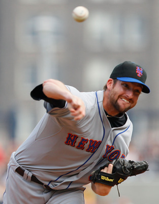 PITTSBURGH - JUNE 12:  Bobby Parnell #39 of the New York Mets pitches against the Pittsburgh Pirates during the game on June 12, 2011 at PNC Park in Pittsburgh, Pennsylvania.  (Photo by Jared Wickerham/Getty Images)