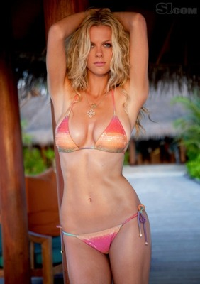 Brooklyn-decker-the-2010-sports-illustrated-swimsuit-issue-cover-girl9_display_image