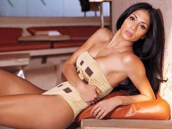 Nicole-scherzinger-maxim_display_image_display_image