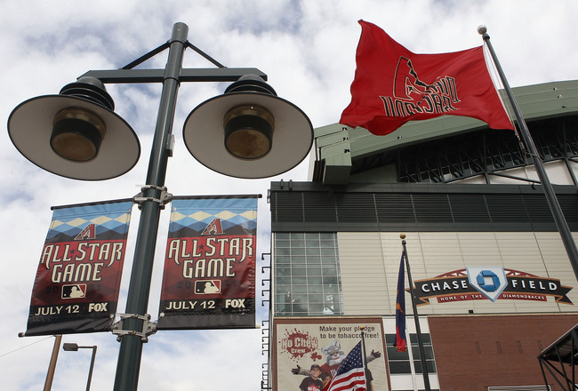 PHOENIX, AZ - APRIL 08:  General view outside of Chase Field before the Major League Baseball home opening game between the Cincinnati Reds and the Arizona Diamondbacks on April 8, 2011 in Phoenix, Arizona.  (Photo by Christian Petersen/Getty Images)