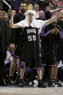 2 May 2001:  Jason Williams #55 of the Sacramento Kings celebrates from the bench in game four of round one of the NBA playoffs against the Phoenix Suns at the America West Arena in Phoenix, Arizona.  The Kings won 89-82 to take the series 3 games to 1.