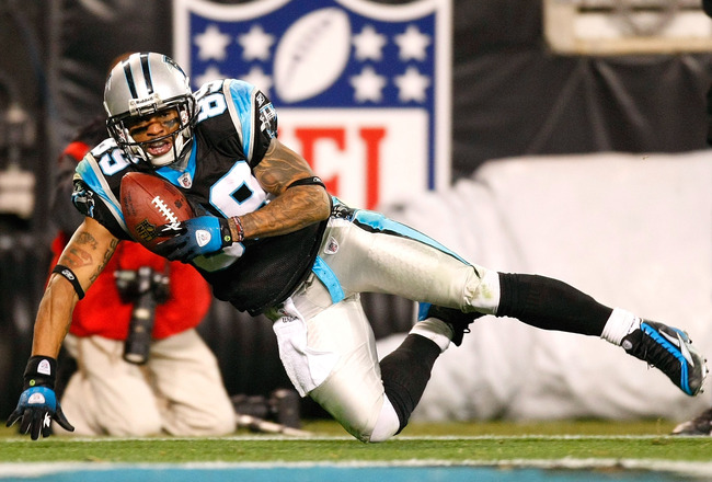 CHARLOTTE, NC - DECEMBER 20:  Steve Smith #89 of the Carolina Panthers pulls in a touchdown reception against the Minnesota Vikings at Bank of America Stadium on December 20, 2009 in Charlotte, North Carolina.  (Photo by Kevin C. Cox/Getty Images)